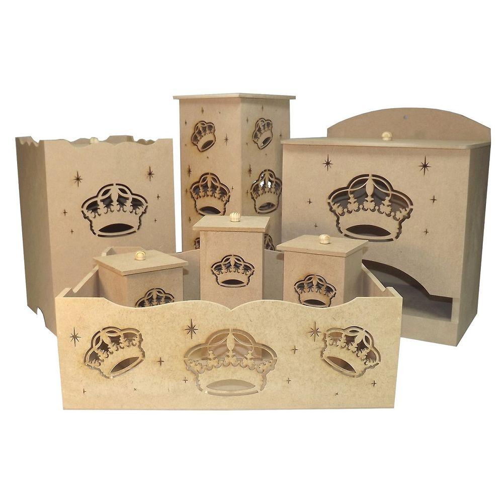 544ddd5cd6 Kit Higiene Bebê em MDF Coroa 7 peças com Luminária - Palácio da ...